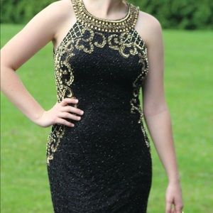 Dresses & Skirts - Black & Gold Homecoming Dress